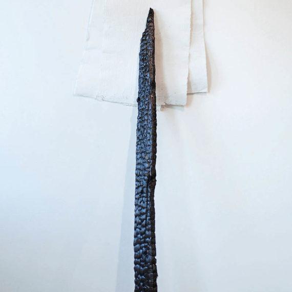 Tiziana Abretti, Ålvik, installazione arte contemporanea, contemporary sculpture, installation art, legno, carta fatta a mano, handmade paper, materiali naturali e artificiali